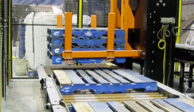 Pallet Conveyors and Magazines - Automatic Pallet Dispenser